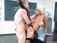 Blonde porn girl Bridgette B gets her muff pie hammered by Bill Bailey - BeFuck.com