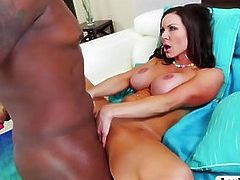 MILF Kendra Lust sucks Lexington huge cock in front patio