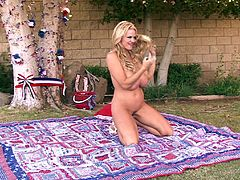 Outdoor shagging experience with blonde MILF Kelly Madison
