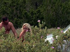 Karlie Simon opens her legs for an outdoor shagging game
