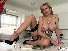 Unfaithful uk milf lady sonia flashes her huge titties29EGS