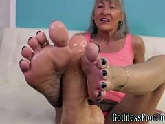 Mature Oily Footjob