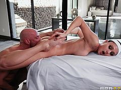 ariana marie was fucked by her masseur