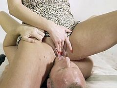 Hot Amateur Femdom facesitting piss and squirt on mouth. Very hot video.