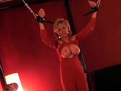 Unfaithful british milf lady sonia displays her big jugs43Zk