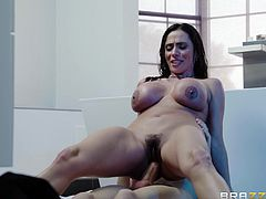 Latina MILF Ariella Ferrera takes a shower and gets sweaty after