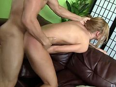 Horny masseur pokes wet pussy of sex-appeal client Jessie Rogers