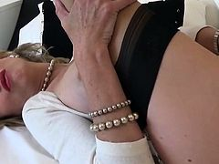 Adulterous british milf lady sonia shows off her huge tits27
