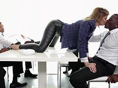 Jessica Drake treats office workers to great blowjobs