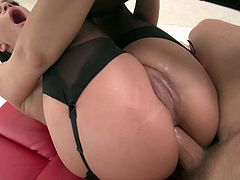 Annie Wolf screams hard with cock stuck down her bum