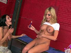 Lesbian Amy Brooke hot as waxed seductively in close up