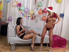 Stunning Aneta Keys and her friend try out their new toys