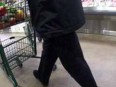 Hot girl bubble butt in yoga pants at the supermarket