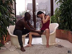 Kristy got new job recently - as a manager in a fitness center. She really enjoyed watching big muscled guys lifting heavy dumbbells. Her favorite client was Gorge - gorgeous black guy who wasn't missing any trainings and was in perfect shape. One day she found a reason to realize her wildest dreams!