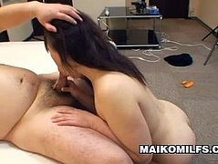 http://img4.sexcdn.net/0r/a0/hp_asian_masturbation.jpg