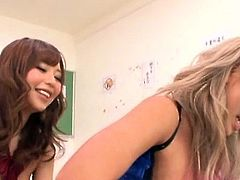 Schoolgirl gives a steamy footjob like a real pro
