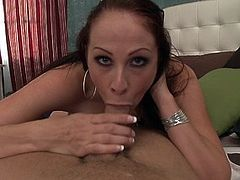Watch beautiful MILF Gianna Michaels's tits bounce