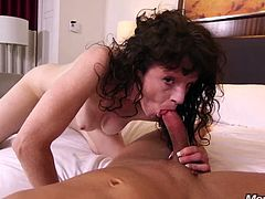 Sexy cougar mom getting fucked in POV