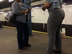 Tall Mature Ebony Booty in Grey Pants