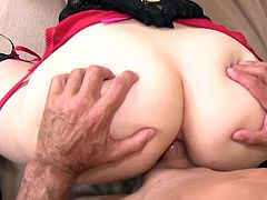 Luscious hooker in stockings and short skirt Riley Reynolds gets her twat slammed