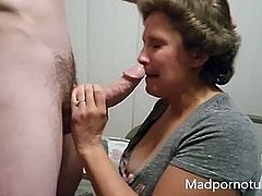 http://img4.sexcdn.net/0o/ec/81_mother_anal.jpg