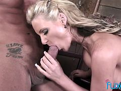 Unforgettable sex with sluttishly looking milf with fake boobs