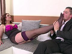 Emma Leigh finally gets to fuck with a handsome guy until he cums