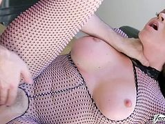 BIG TITTED MILFS TURNED INTO CUM HUNGRY COUGARS - R&R08 MILF EDITION