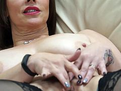 Gorgeous mature mother feeding her hairy pussy