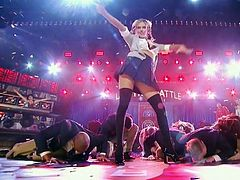 Kate Upton performs Britney Spears' Baby One More Time