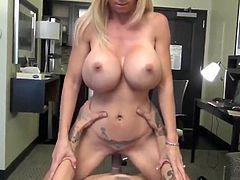 Hot MILF with Amazing Boobs Seduces Young Boy Big Cock