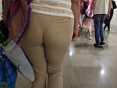 Huge ass milfs in tight pants 2